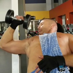 unilateral incline dumbbell press (ddman_70) Tags: workout gym muscle pecs chest stringer