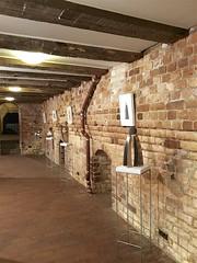 """Ausstellung """"Stabenow"""" M.Kusel (Carl-Ernst Stahnke) Tags: stabenow ausstellung metallgestalter edelstahl steine kunstwerke verkauf mariokusel kellerraum"""