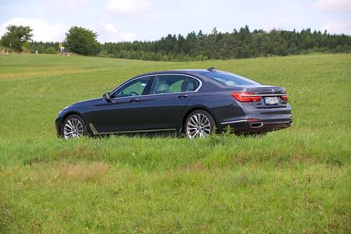 BMW 730 Ld XDrive G12 - 12
