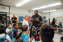 "thomas-davis-defending-dreams-2016-backpack-give-away-115 • <a style=""font-size:0.8em;"" href=""http://www.flickr.com/photos/158886553@N02/36995678386/"" target=""_blank"">View on Flickr</a>"