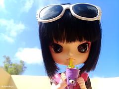 Dia de curtição [ Férias! - Doll Challenge ] (♥ MarildaHungria ♥) Tags: anna dal puki pooka shopkins food miniature sky outdoor sunglasses cute kawaii adorable obitsued doll toy