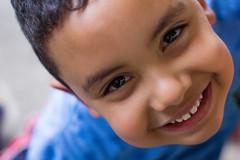Gabriel (Michael S Guimarães) Tags: canon t2i 550d 50mm face rosto children boy garoto molecote smile sorriso sãopaulo sp brazil brasil br michaelguimarães retrato portrait