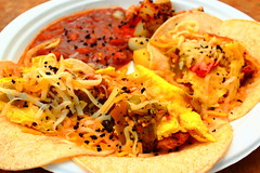 Breakfast Tacos (richardzx) Tags: taco tacos breakfasttacos downtowngrowersmarket albuquerque richardzx carneadovadabreakfasttacos carneadovada greenchile karmacafe