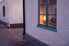 Entrez/Come in/Kom in (Elf-8) Tags: sweden gotland visby medieval wall light house architecture sunset warm