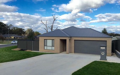 7 Redbox Drive, Thurgoona NSW 2640