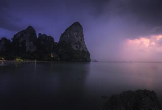 L'heure bleue sur Railay Bay (Thailande)