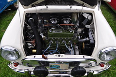 Engine bay (charlottehbest) Tags: charlottehbest 2017 england uk classic classiccar hardycountryclassictour dorset shillingstone