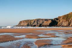 Bajamar en Xagó (ccc.39) Tags: asturias gozón xagó cantábrico acantilados charcos olas atardecer sunset beach coast cliffs sand water