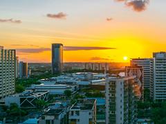 Sunset (Gustavo Leão) Tags: city sunset cidade pôrdosol skyline urban
