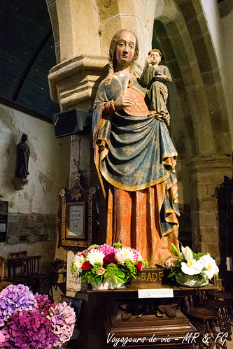 """Statue Chapelle Notre-Dame de Lambader • <a style=""""font-size:0.8em;"""" href=""""http://www.flickr.com/photos/151667760@N04/37003441575/"""" target=""""_blank"""">View on Flickr</a>"""