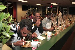 """thomas-davis-defending-dreams-foundation-thanksgiving-at-lolas-0083 • <a style=""""font-size:0.8em;"""" href=""""http://www.flickr.com/photos/158886553@N02/37042946341/"""" target=""""_blank"""">View on Flickr</a>"""