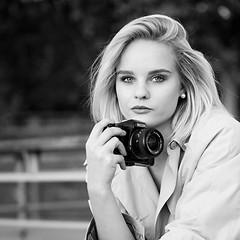 Manon ... photographe canon (liofoto) Tags: