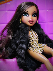 Ain't No Crying In The Club (PancakeBoss) Tags: bratz sasha treasures hot mom bratzieb diamondz xoxo fur did that bitch yes mam mga 2005 2004
