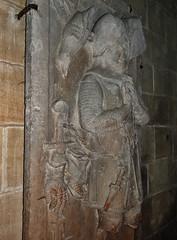 ca. 1345-1350 - 'knight, probably Werner Falk(e) (Falcke) von Munsweiler (+after 1333)', Église Notre-Dame de l'Assomption, Rouffach, dép. Haut-Rhin, France (RO EL (Roel Renmans)) Tags: 1330 1340 1345 1350 knight ritter ridder chevalier caballero cavaliere werner falk falke falcke rouffach elzas alsace elzass church église kirche kerk iglesia armor armure armour harnas harnisch rüstung armadura armatura bascinet bacinet camail aventail coatofplates plattenrock hauberk kettenhemd cotte de mailles vervelles heaume great helm helmet topfhelm gran yelmo poleyn surcotte surcoat wappenrock waffenkleid waffenrock mamelieres chain ketten sword dagger notre dame l assomption tomb effigy tombeau grabmal efigie grafbeeld chains