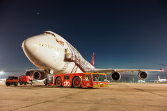 Boeing B747-400 - Virgin Atlantic (Pete Hemsley) Tags: boeing 747 ladybird virgin jumbo aircraft aviation dusk stars night tug airport avion rollsroyce