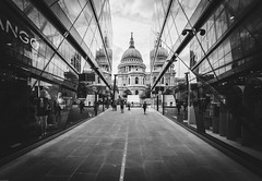St Paul's Cathedral (_gate_) Tags: st pauls cathedral shopping mall architecture millennium bridge city urban street 2017 august tamron 1530mm vc long exposure europe eu gate river themes cityscape nights night cloudy sky motion symmetry travel traveling united kingdom england union european summer art black white bw sw