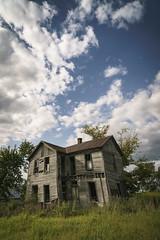 Abandoned Home (Notley Hawkins) Tags: httpwwwnotleyhawkinscom notleyhawkinsphotography notley notleyhawkins 10thavenue home house abandoned clouds sky rural prairiehomemissouri coopercountymissouri 2017 september