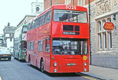 Maidstone & District: 5025 (SMU737N) in Railway Street, Chatham (Mega Anorak) Tags: bus daimler fleetline crl6 mcw maidstonedistrict londontransport dms chatham