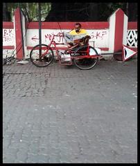 He always sits here (indianature13) Tags: monsoon indianature rain september 2017 mumbai bombay india maharashtra stuckintraffic fromthecar ontheroad road roadside urban citylife cityscape city life lifeinmumbai society people lifeslikethat bandra 400050 mumbai400050 bandrasuburb vandre