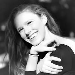 Au naturel. (A.) (@phr_photo) Tags: woman femme girl french danseuse urbanballerina smile blackandwhite noiretblanc sourire pretty belle naturelle