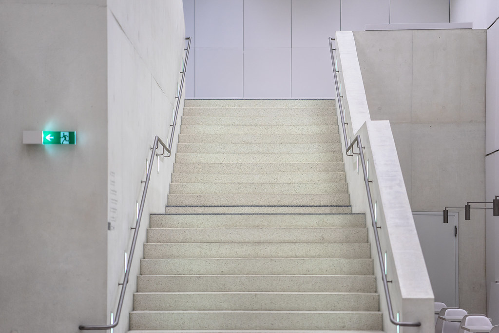 The world 39 s most recently posted photos of stairs and for Minimalismus haus tour
