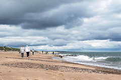 Dog Walkers @ Aberdeen Beach (ChicqueeCat) Tags: nikon d3300 seascape landscape candid animals sea cloudy