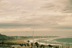 _MG_2778 (Pedro Angel Prados) Tags: playa castelldefels mar picado turistico canon eos 600d 18270mm ƒ80 910 mm 160 200 sea mediterraneo
