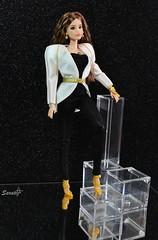 Photocontest Barbie doll race: Spalline ottantissime (saratiz) Tags: dollrace barbiethelook fashiondolls coat spalline 80s anni80 blackandwhite