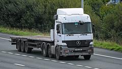 V410DND 1999 Mercedes Actros 2543 Flatbed Lorry (Beer Dave) Tags: v410dnd 1999 mercedes actros 2543 flatbed lorry vehicle old artic flat platform m20 hgv haulage commercial