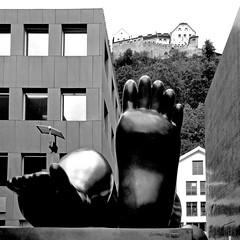 Ruhende Frau, Vaduz (pom.angers) Tags: panasonicdmctz30 liechtenstein september 2017 botero sculpture castle vaduz naked 100 150 200 foot feet 300 nude 5000 400 10000