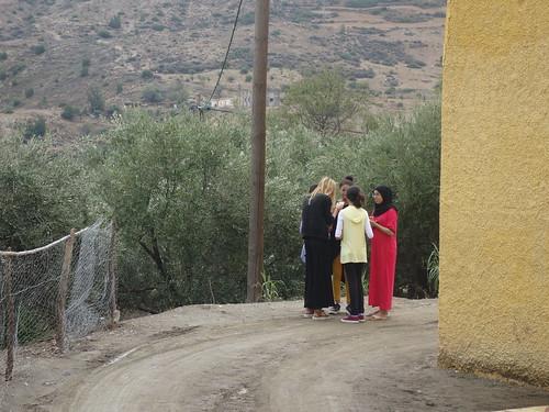 Julie et des petites filles