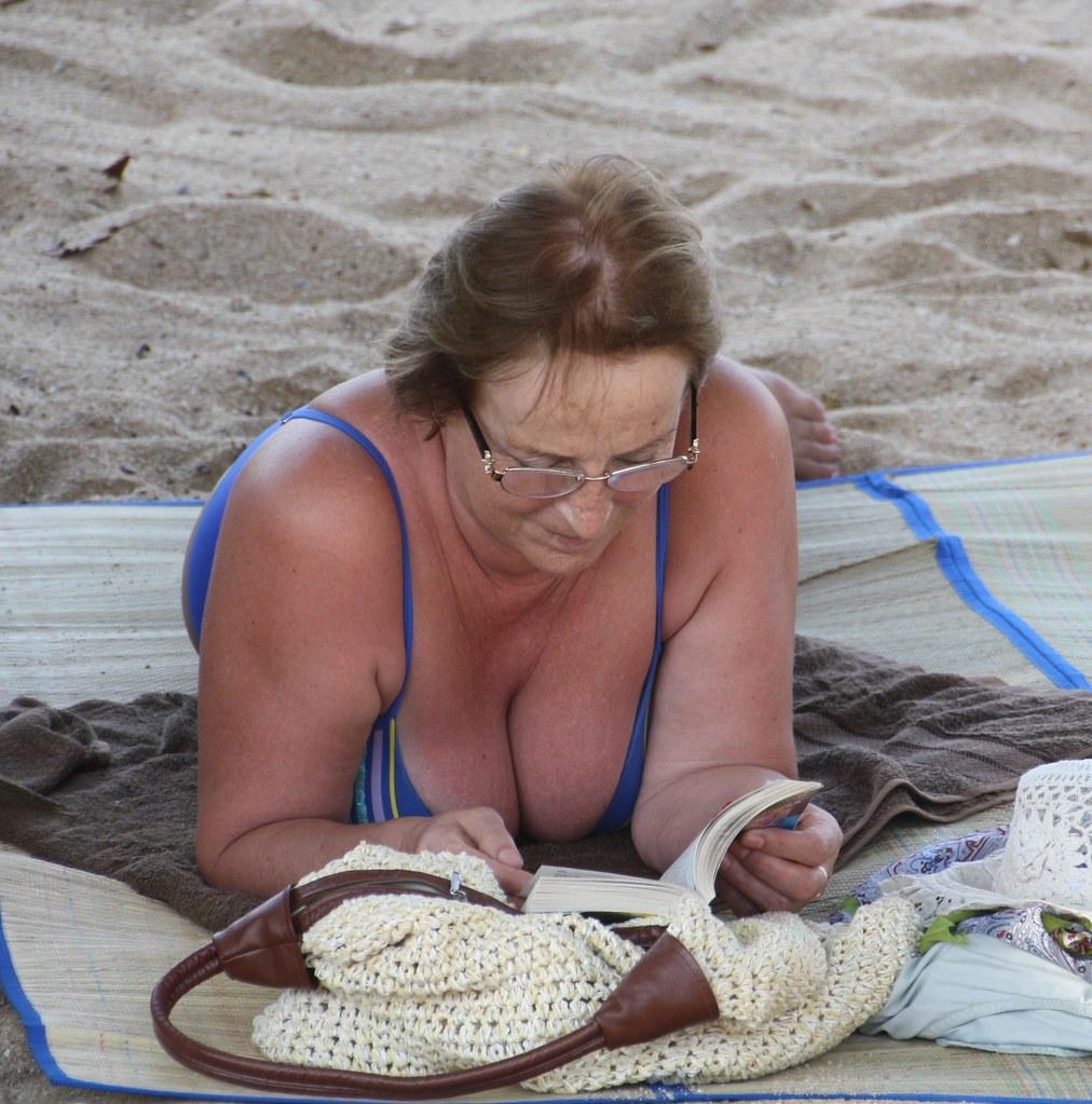 mature plage lady orlane