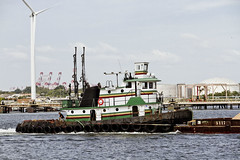 r_170921357_beat0057_a (Mitch Waxman) Tags: killvankull newyorkcity newyorkharbor statenisland tugboat newyork
