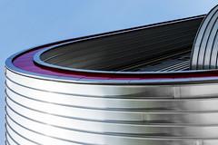 Red Line (tan.ja1212) Tags: architektur architecture fassade facade gebäude building metall metal linien lines