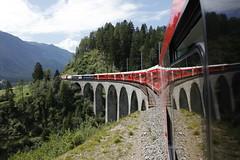 Special Configuration @ Schmittentobel Viaduct (1/2) (d/f) Tags: rhb rhätischebahn rhaetianrailway railway eisenbahn eisenbahnbrücke schmitten schmittentobelviadukt schmittnerviadukt albula alvra gliederzug