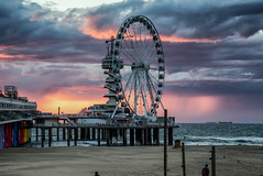Scheveningen in 2017 (zilverbat.) Tags: denhaag scheveningen bild thenetherlands timelife image pier rad wheel noordzee northsea beach strand sunset holland hotspot hofstad tripadvisor travel town tourism tour tourist terras zilverbat availablelight avond lights avondfotografie boulevard promenade zee kust coastline coast clouds wolken weer weather plaza world