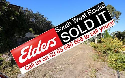 31 Dennis Cres, South West Rocks NSW 2431