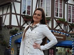 Veja as fotos das candidatas ao Concurso da #Rainha da 35ª #Oktoberfest de #Blumenau.
