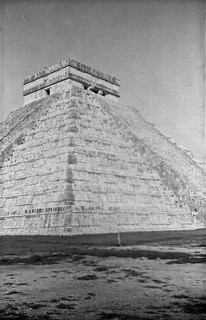 A Zeiss Ikon in Mexico - Pyramid