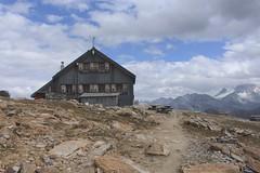 cabane des Becs de Bosson (bulbocode909) Tags: valais suisse grimentz cabanedesbecsdebosson valdanniviers valdhérens cabanes montagnes nature paysages nuages bleu rochers