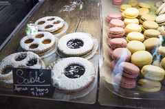 Sablé et Macarons (Bill in DC) Tags: nm newmexico santafe food bakeeries clafoutis