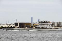 r_170921285_beat0057_a (Mitch Waxman) Tags: killvankull mvhuntspointimo9648049 newyorkcity newyorkharbor sludgeboat statenisland newyork