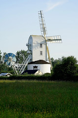 An evening at Saxtead Windmill (Jayembee69) Tags: windmill saxtead postmill suffolk england english saxteadgreen britain british uk unitedkingdom clapperboard white green village rural countryside