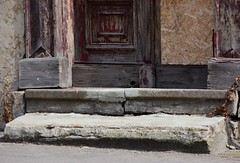 (:Linda:) Tags: germany town ilmenau house abandoned decay door step