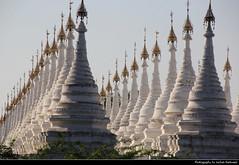 Sandamuni Paya, Mandalay, Myanmar (JH_1982) Tags: sandamuni paya pagoda stupa stupas white king mindon min mandalay 曼德勒 マンダレー 만달레이 мандалай ماندالاي माण्डले มัณฑะเลย์ myanmar burma birma birmania birmanie 缅甸 ミャンマー 미얀마 мьянма म्यान्मार myanma buddhism buddhist buddha religion religious spiritual architecture spires landmark building jochenhertweck travel traveling travelling ประเทศพม่า mjanma exotic