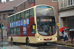 0699 YX05 EOS East Yorkshire Motor Services (North East Malarkey) Tags: bus buses transport transportation publictransport public vehicle flickr outdoor explore inexplore google googleimages eyms eastyorkshiremotorservices 699 yx05eos