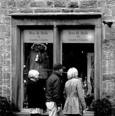 Window shopping (Snapshooter46) Tags: people windowshopping kirkbylonsdale cumbria