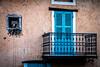 Le balcon aux volets bleus (Lucille-bs) Tags: europe france auvergnerhônealpes rhônealpes ain châtillonsouschalaronne architecture fenêtre balcon hibou chouette mur façade bleu