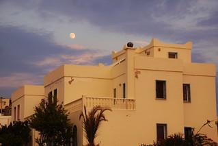 DSC03933 TURGUTREIS House against sunset