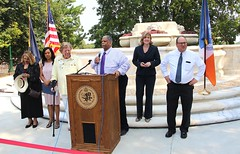 "20170822.Women's Plaza Unveiling and Dedication • <a style=""font-size:0.8em;"" href=""http://www.flickr.com/photos/129440993@N08/36472788930/"" target=""_blank"">View on Flickr</a>"